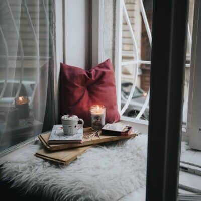 How to Make Your Bedroom Cozy: 19 Easy Tricks