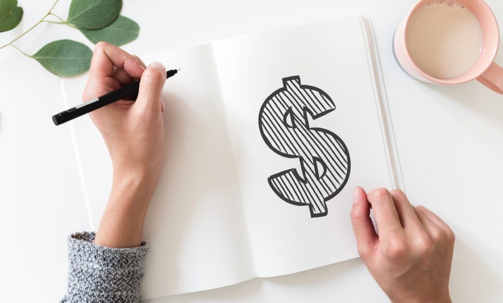 A step by step guide to budgeting for beginners! Check out these easy budgeting tips for beginners, with budgeting printable worksheets included.