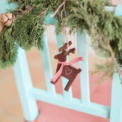 How to Make Your House Smell Like Christmas – 15 Easy Tricks!