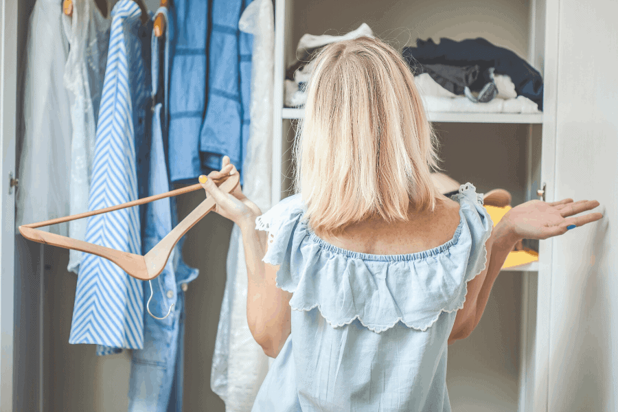 Things to do when you're bored at home! Here are 90 fun AND productive things to pass the time when you're stuck at home.